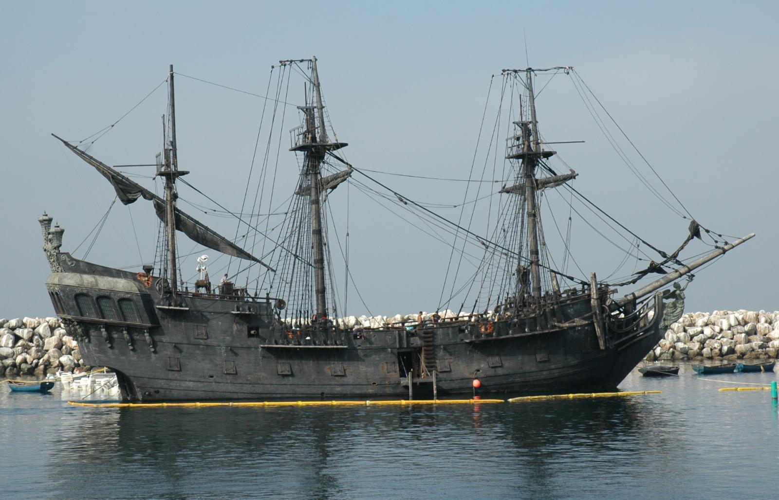 Black pearl wood model ship kit kat