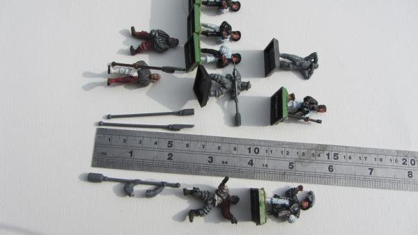 1 36 scale figures 002.jpg
