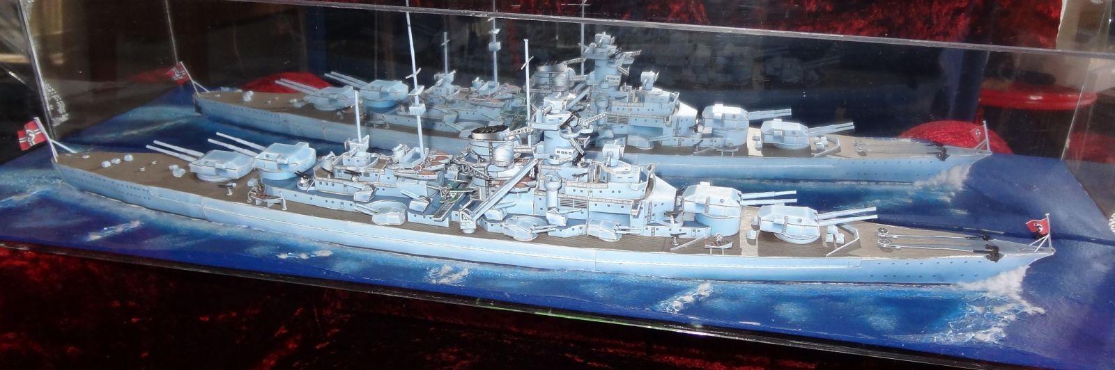 German battleship Bismarck 1:400 all paper - Model Ship