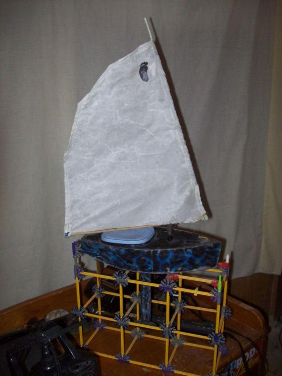 Voyager: Footy RC sailboat - Model Ship World by the