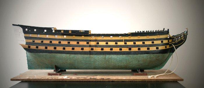 HMS_Victory_1jaar_01.jpg