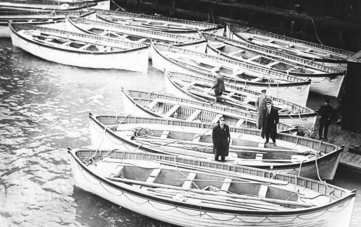 titanic_lifeboats_11.jpg