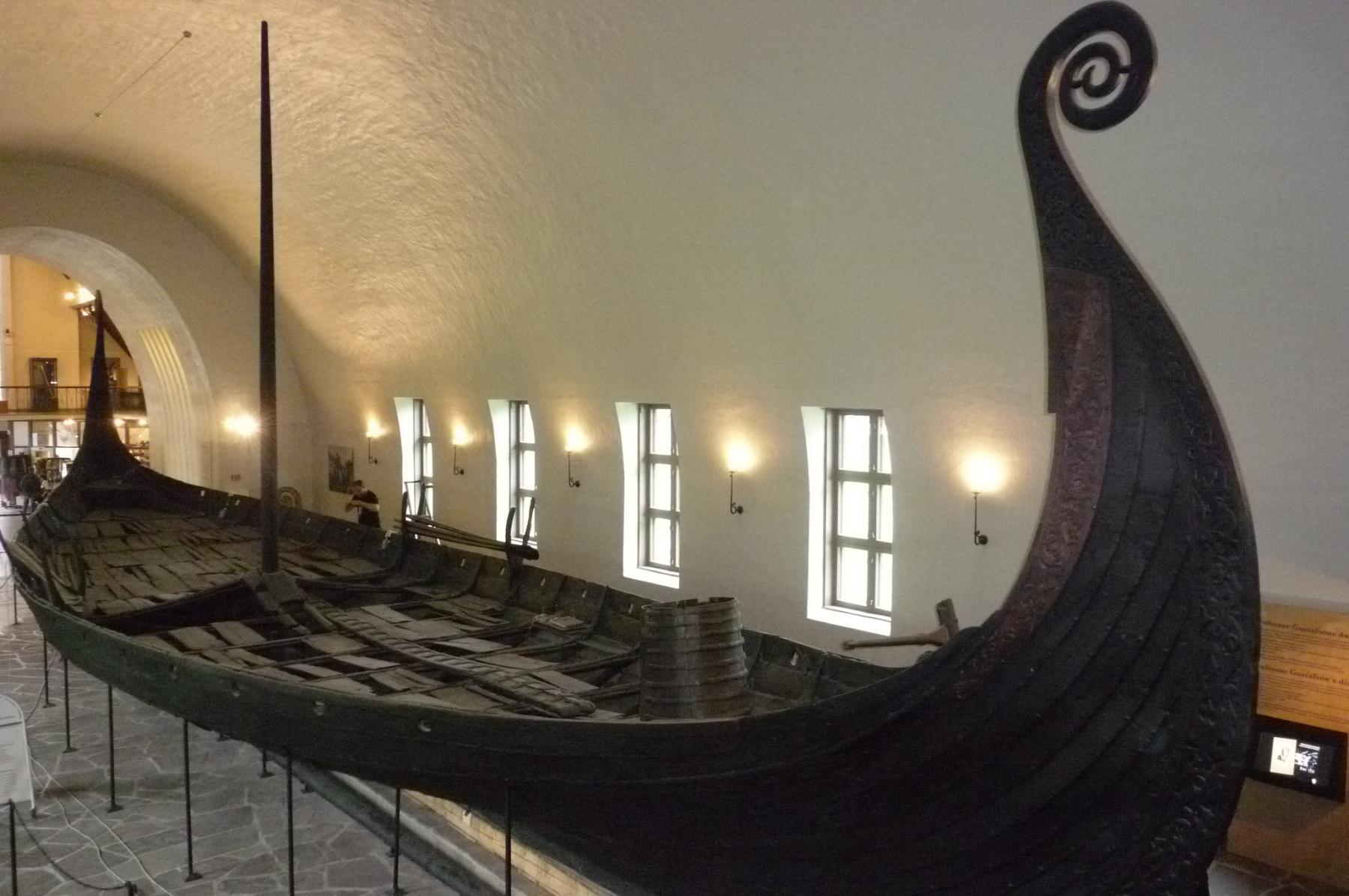 Datazione dendrocronologica delle sepolture Viking Age nave a Oseberg Gokstad e sintonizzare Norvegia