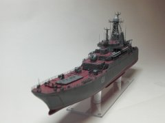 19. BDK pr.775 Azov (Ropucha class).JPG