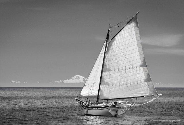 longboatsails1.jpg