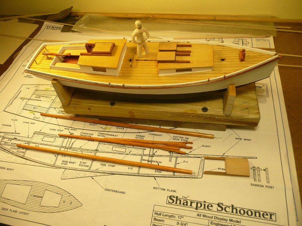 Sharpie schooner 2 hatches.jpg