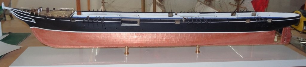 complete forecastle and hammocks , hull, deck and bulwark rigging points.jpg
