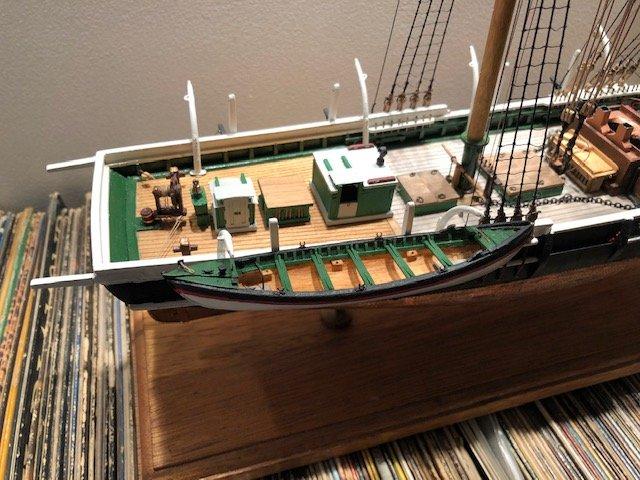 whaleboat8.jpg.33aa90053053b3b7e19d48abe1cd44b2.jpg