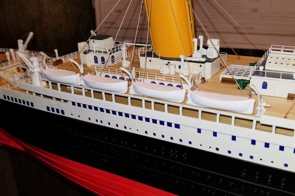 Stern Lifeboats.jpg