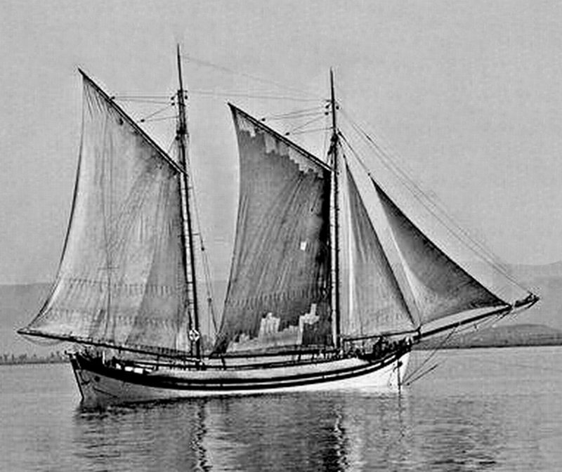 Greek Traditional vessel Trechandiri with Schooner rigging