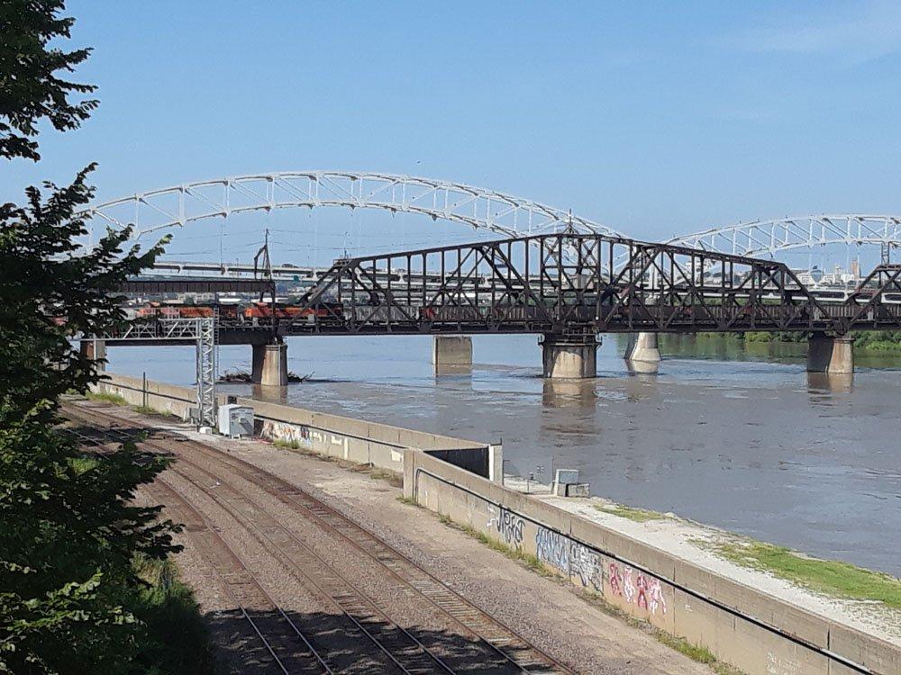 KC_bridge.jpg.1576601a92e8b3d2b247934925970708.jpg