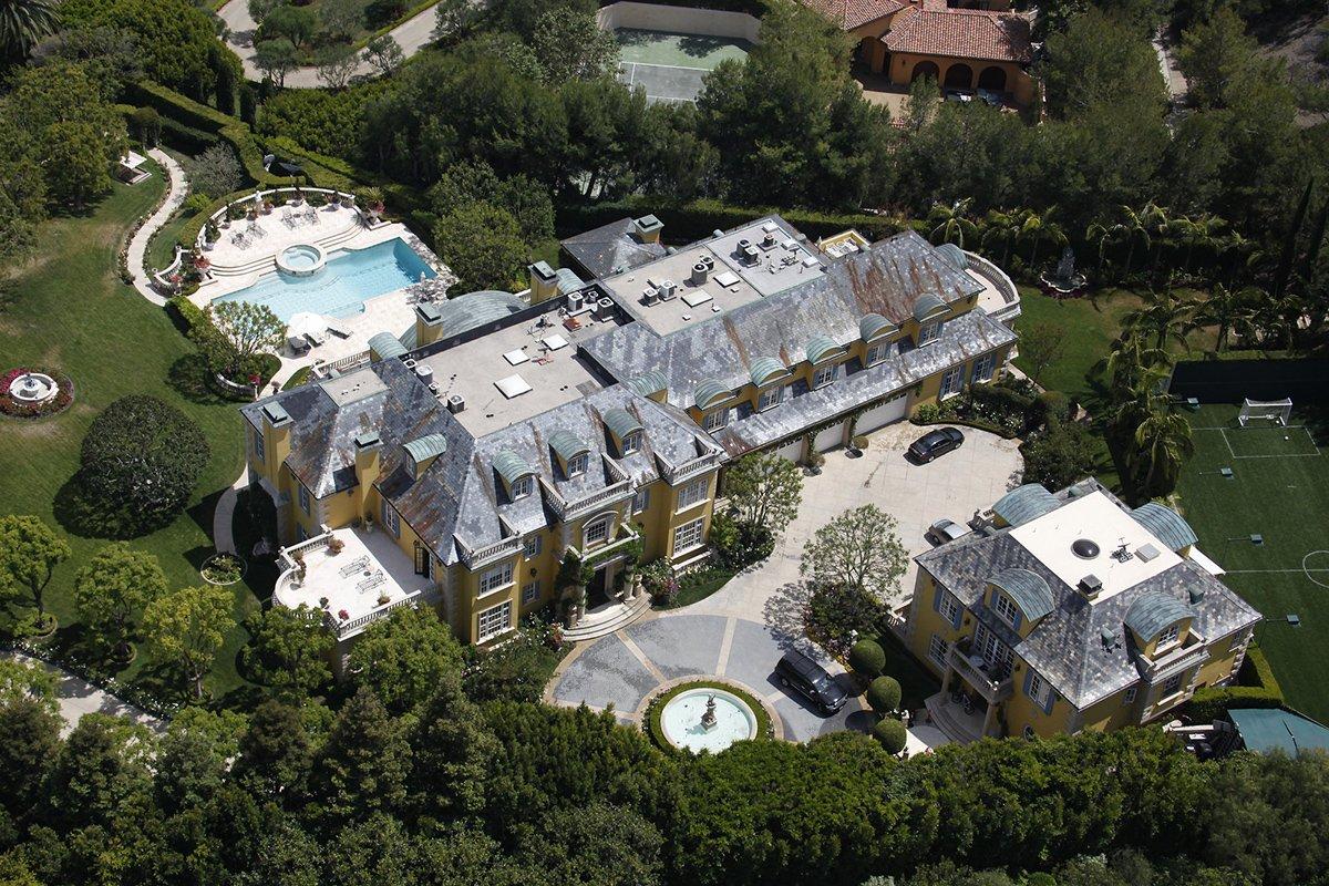 Rod-Stewarts-House.jpg.fb1e770ed949c7513f1f29d09aad132b.jpg