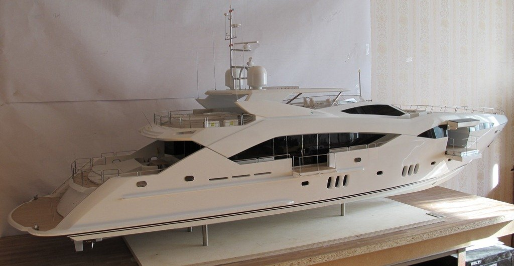 Model Sunseeker'130 Predetor. Scale 1-20.