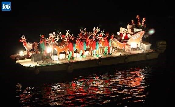 Bermuda Christmas boat.jpg