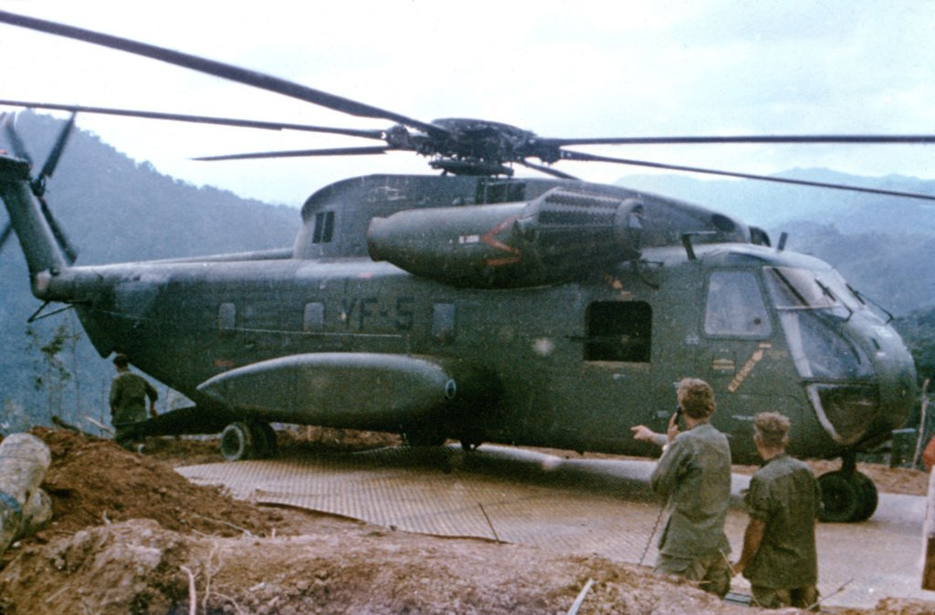 a-ch-53-sea-stallion-helicopter-rests-on-a-recently-installed-landing-mat-at-c65765.jpg.913f6fafc7ecb7e24898ac889ad5720f.jpg