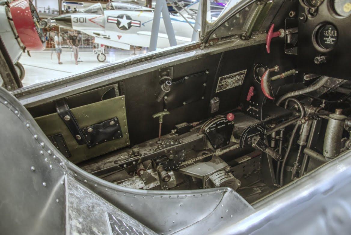 493569373_Cockpit3.JPG.3b861c1ec51fd269fe8159ad5d0b7c8b.JPG
