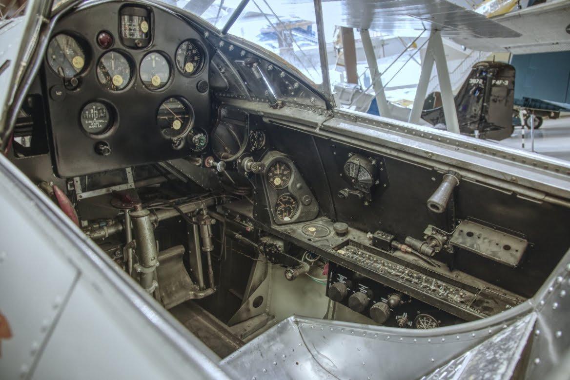 92802835_Cockpit4.JPG.ba4551721f67b10a758247bfa57eb116.JPG