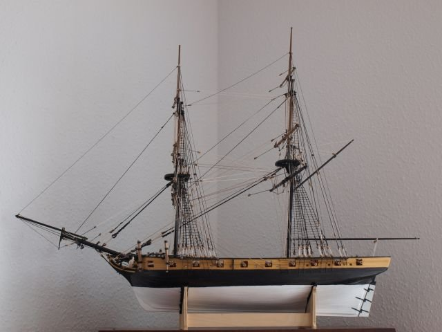 HMS Cruiser, Caldercraft, 1:64