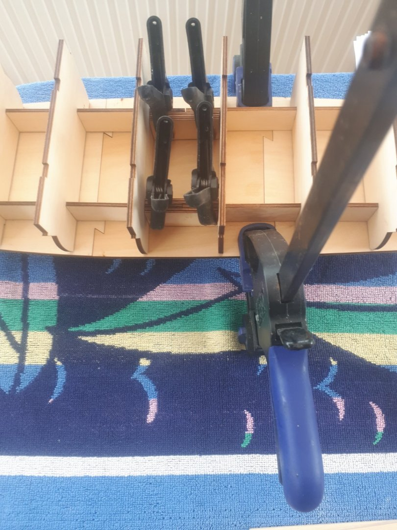 0012 Clamping glued support pieces.jpg