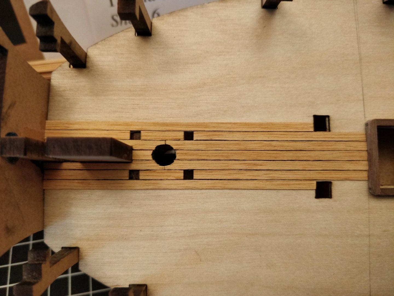deckplanking_fore.thumb.jpg.e5997c07596d7000beb7525f73c89d57.jpg