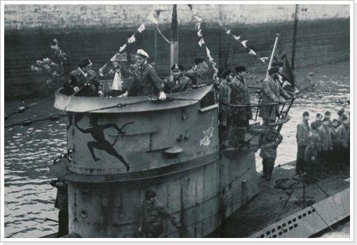german-submarine-u-552-555906ec-f0f7-485b-afb7-ad9f1a1619f-resize-750.jpeg