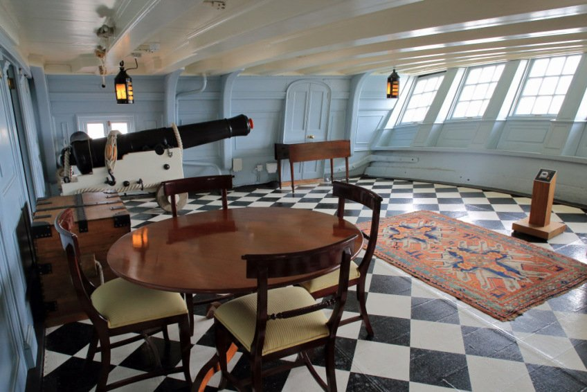 13portsmouth-hms-victory-great-room-or-nelsons-day-cabin-aft-end-upper-gun-deck.jpg.dfb387fe6618466c4ea92fdb0802ad79.jpg