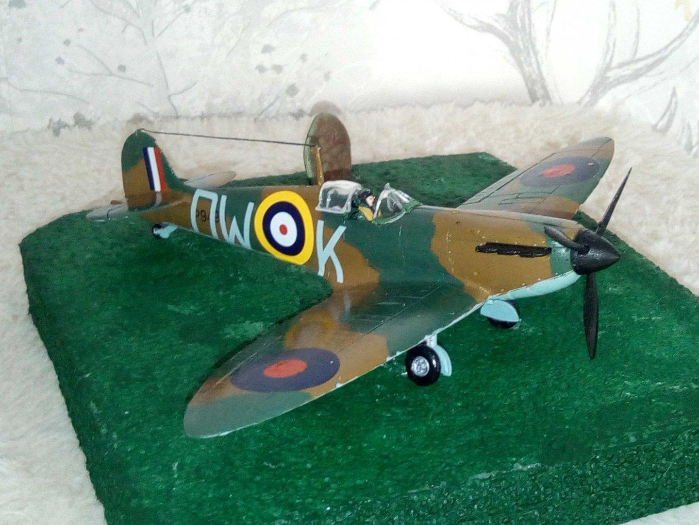 Spitfire-Mk1B---1.thumb.jpg.bb60a40a5a0e971e71de73c9e8513561.jpg